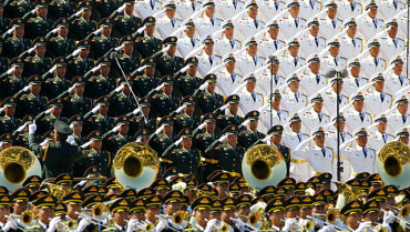 China flaunts military might