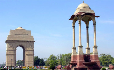 India raises entry fees to protect monuments