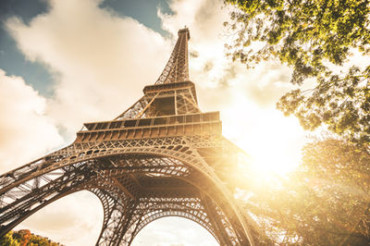 Eiffel Tower gets taller by 6 inches in summer