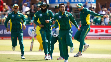 Australia 1st world champions to be whitewashed in 2 formats