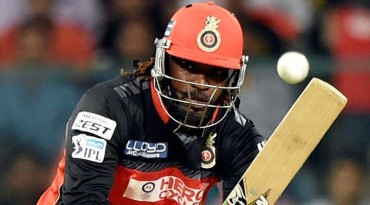 Chris Gayle first player to score 10,000 runs in T20 cricket