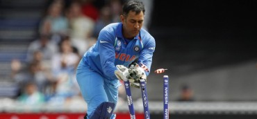Dhoni 1st player in ODI history to effect 100 stumpings