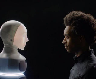 A robot that can display human-like emotions