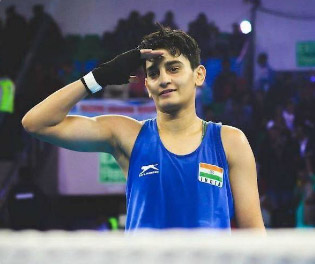 India's 21-yr old boxer Sonia wins silver in her 1st world c'ship
