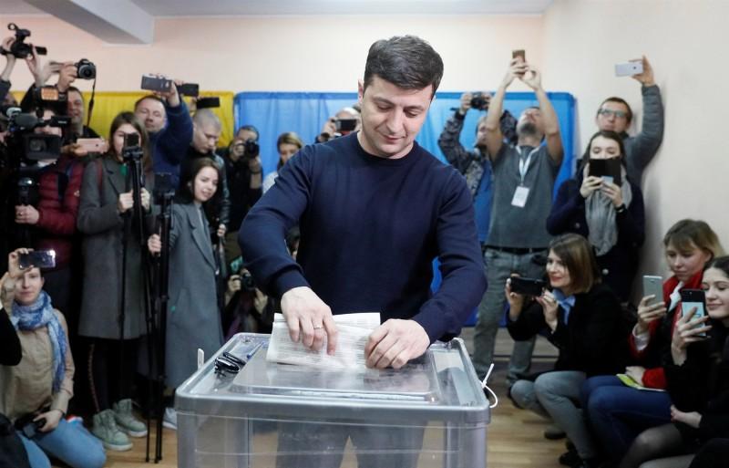 190401-ukriane-elections-