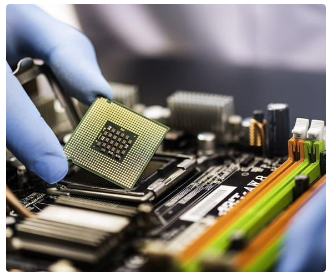 Govt to offer $1 bn cash to chipmakers who make chips in India
