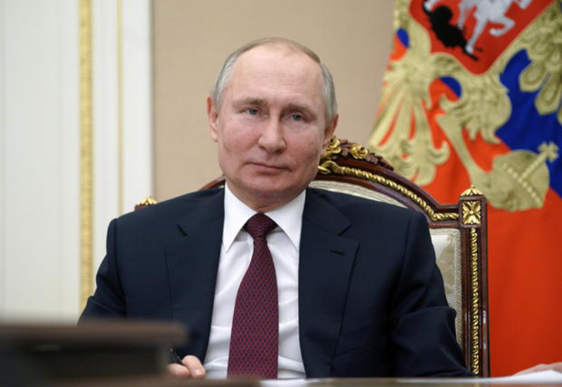 Russian President Putin signs law allowing him to stay in power till 2036